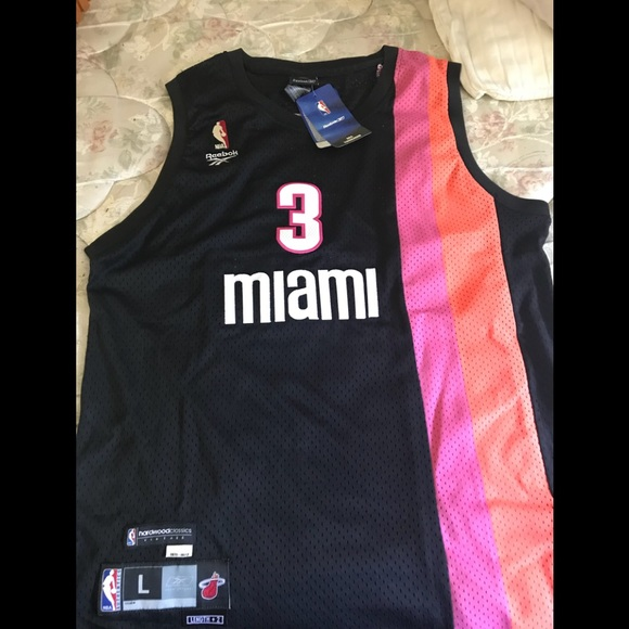 new products f0bf1 4352e Miami Heat jersey
